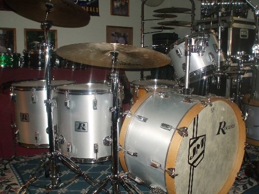 rogers dynasonic dating guide This is my late 1960`s rogers dynasonic snare drum what made this snare drum so famous was because of the patented snare frame or.
